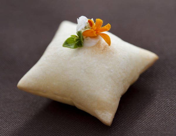 Restaurant Meadowood Cheese Pillow