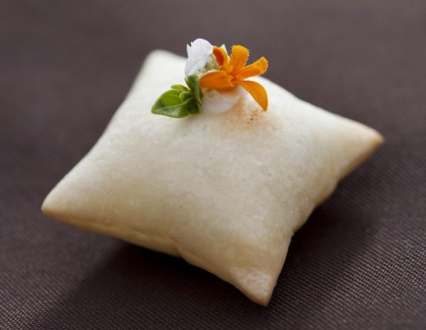 Restaurant Meadowood Cheese Pillow