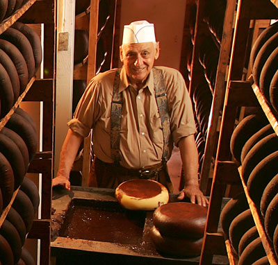 Cheesemaking legend Ig Vella dies