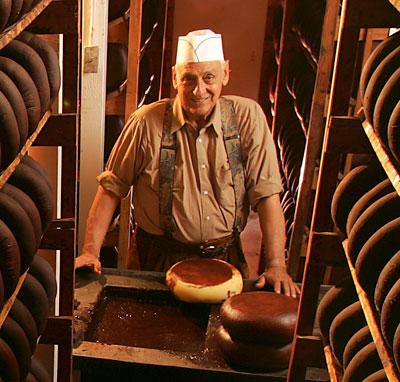 Cheesemaking legend Ig Vella dies