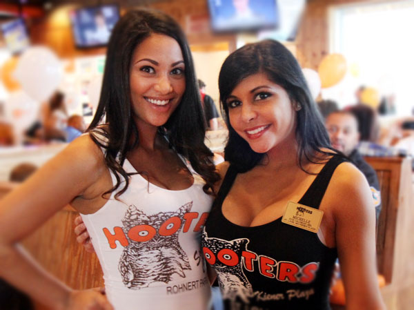 Hooters opens