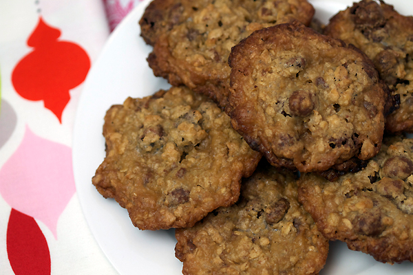 Gluten Free Oatmeal Raisinet Cookies