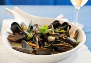 Steamed Mussels at Cafe Claudio in Sebastopol. (Alvin Jornada / The Press Democrat)