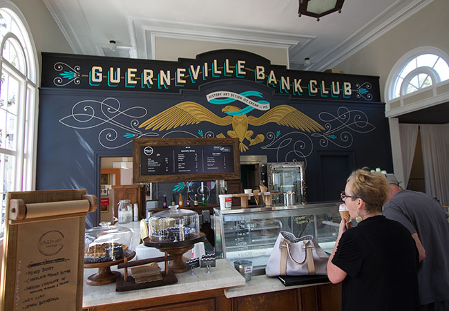 Guerneville Bank Club featuring Chile Pies and Nimble and Finn's Ice Cream. Photo Heather Irwin