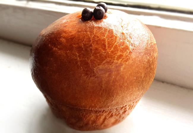 Brioche bun with caramel from Pascaline in Sebastopol