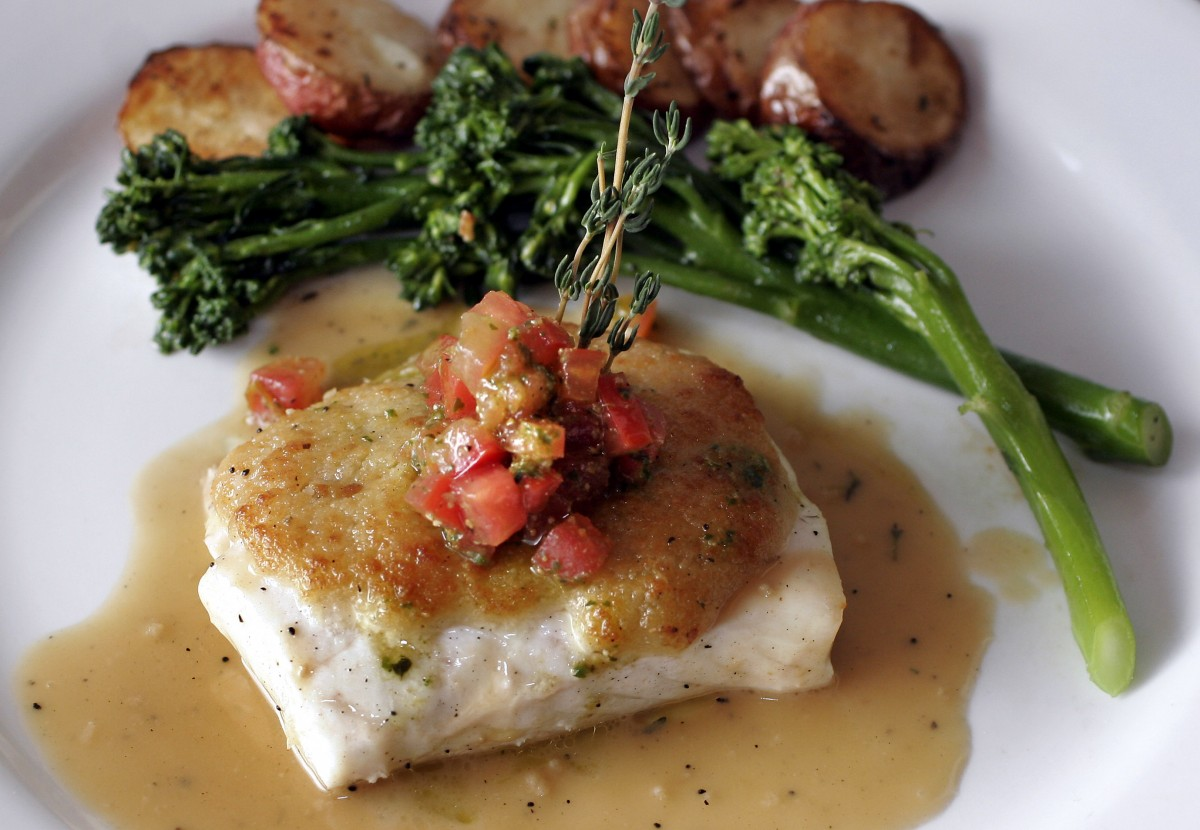 Halibut at Mamma Tanino's in Sonoma. (Photo by Jeff Kan Lee)