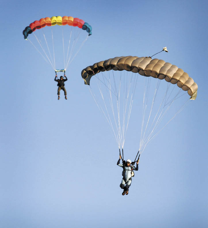 NorCal Skydiving. (photo by Jeff Kan Lee)