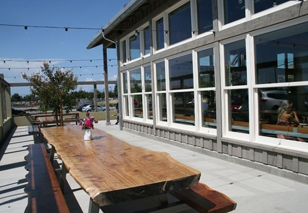 table_exterior