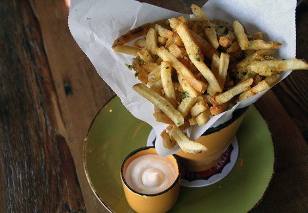 Heritage Public House in Santa Rosa: Brewer's Fries Photo Heather Irwin