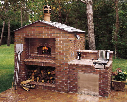 A Mugnaini oven installed in a home's outdoor kitchen makes a perfect centerpiece for alfresco entertaining.