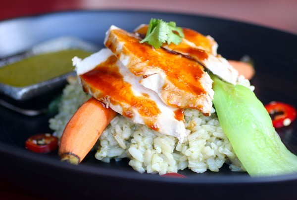 hi0216_persimmon_chicken-600x405