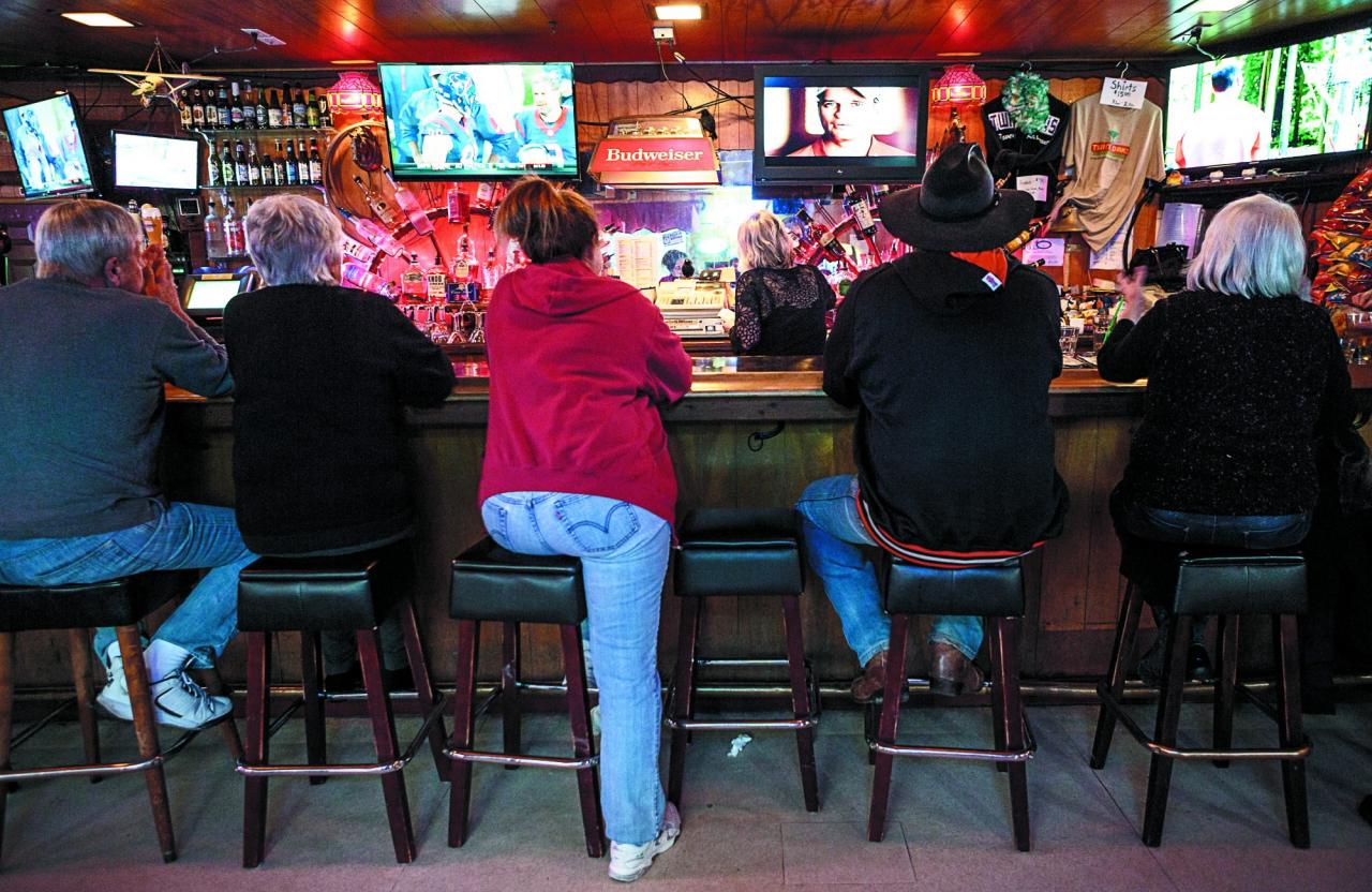 Beer fans can choose among many local brews on tap at the bar. (Photo / Chris Hardy)