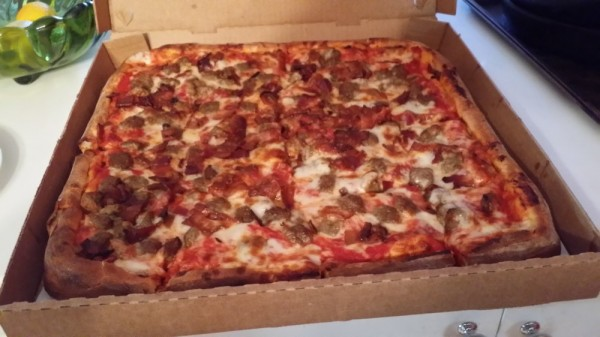 Sal's New Yorker Pizza (courtesy of Yelp)
