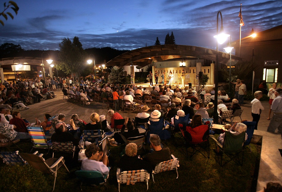 Friday Night Live at the Plaza in Cloverdale. (John Burgess / The Press Democrat)