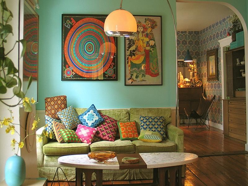 How to Use Color To Make Your Vintage Home Reflect Its History