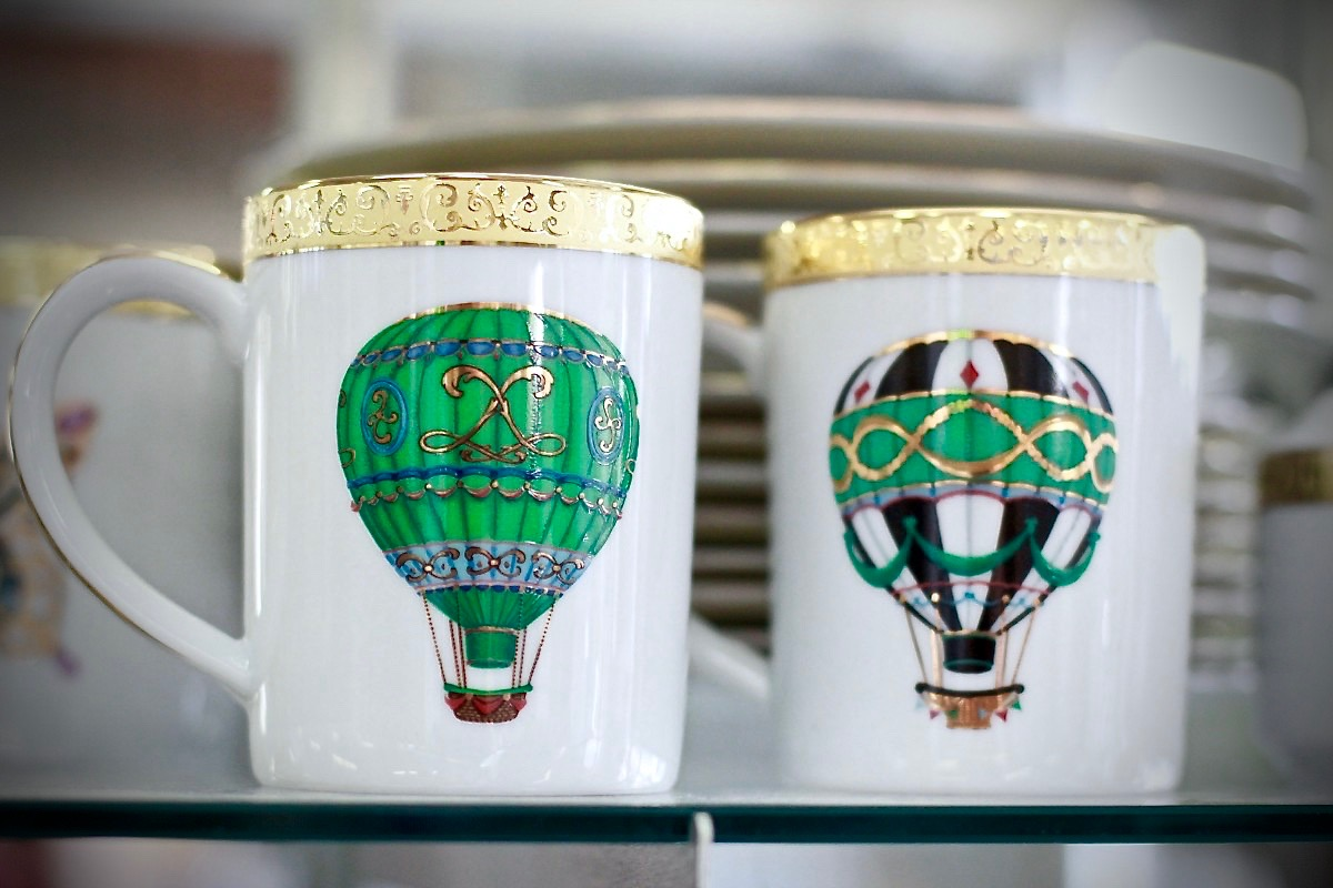 Sonoma County hot air balloons! Mugs and dishes at Redwood Gospel Mission Thrift.