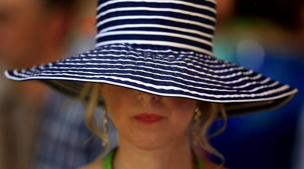 auction_hat