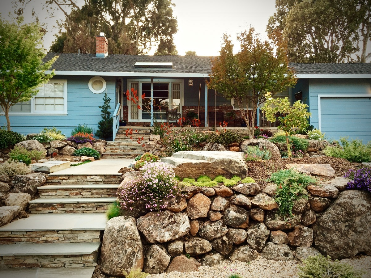 Suburban Front Yard Landscaping Ideas Part - 32: A 1942 Suburban Home Updated With A Drought Resistant Front Yard. (Image  Courtesy Of