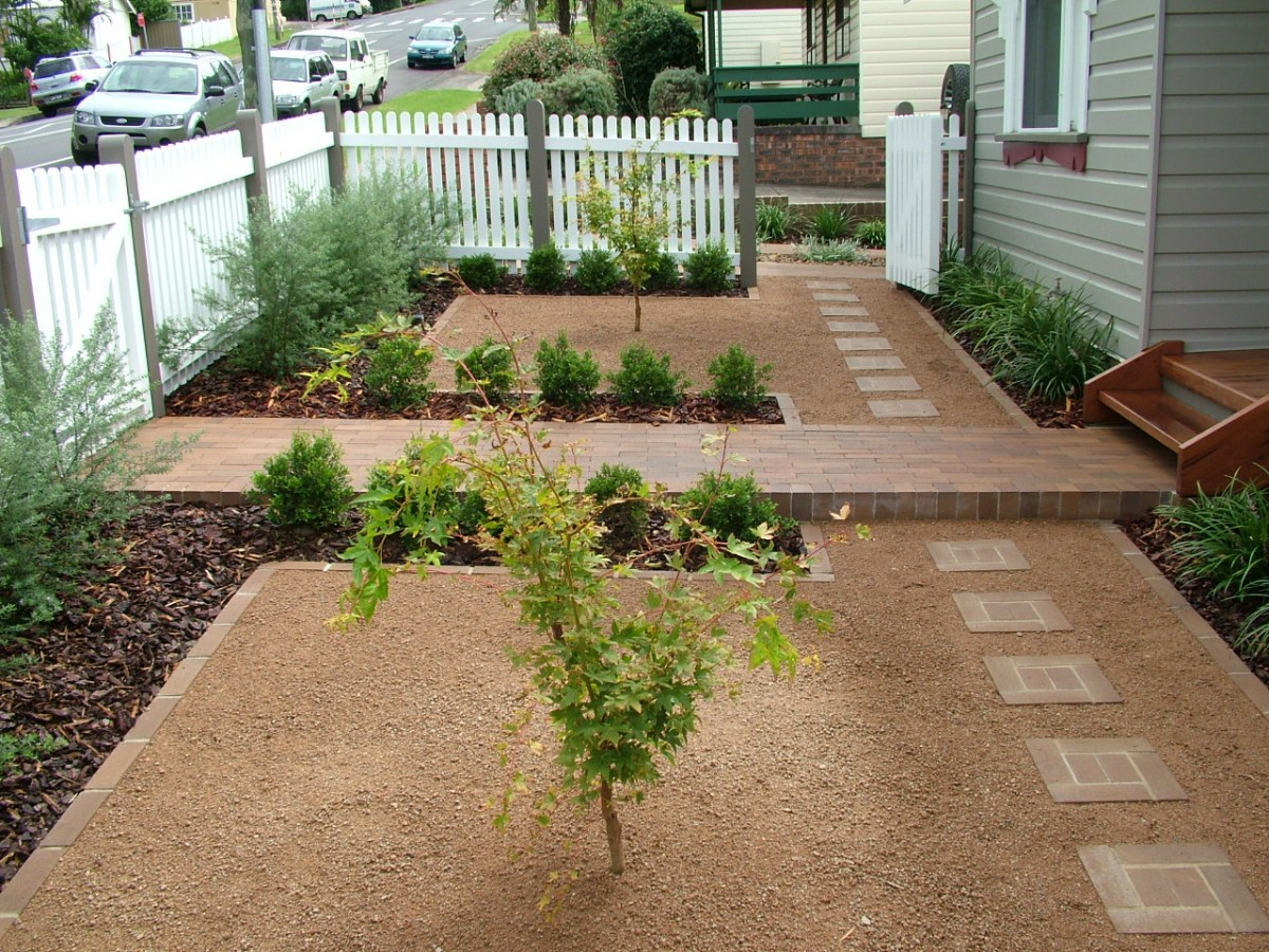 Create a Beautiful Drought Resistant Front Yard on Gravel Front Yard Ideas id=46460