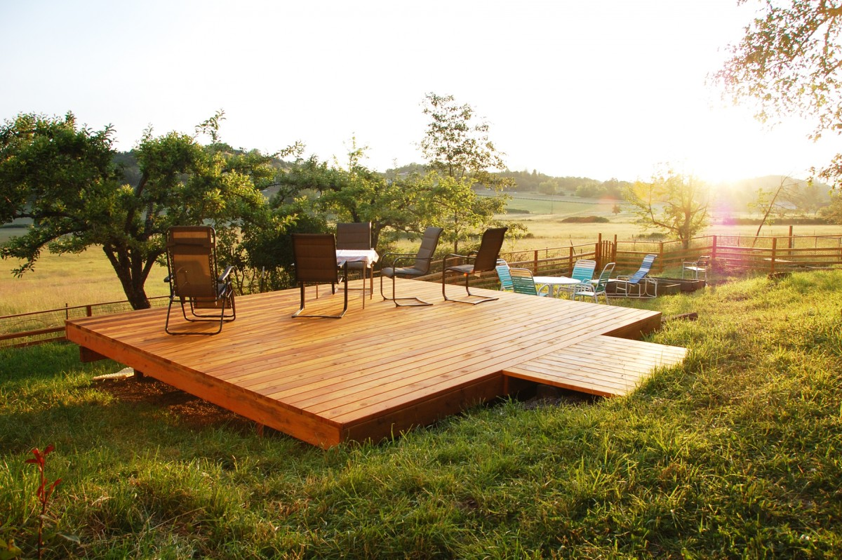 Choosing The Right Deck For Your Wine Country Backyard ...