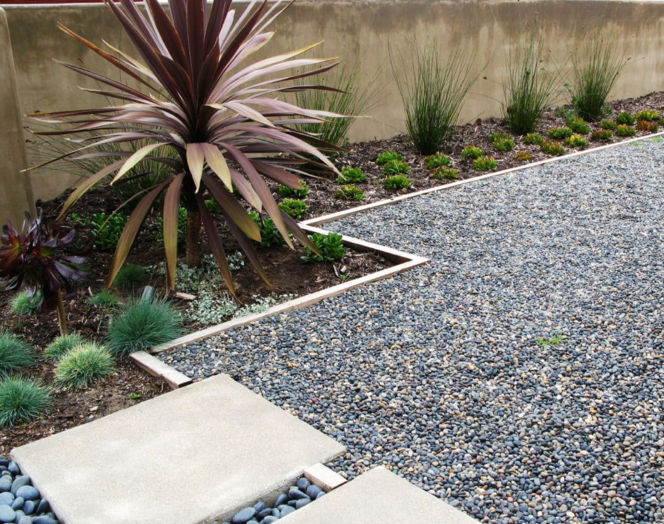 Create a Beautiful Drought Resistant Front Yard on Pea Gravel Yard Ideas id=76089