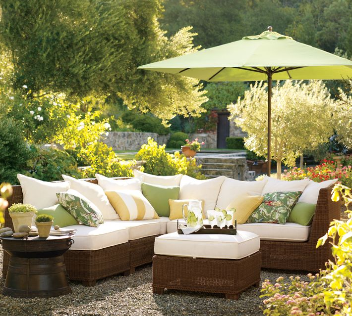 5 gorgeous outdoor rooms to enhance your backyard for Creating an outdoor living space