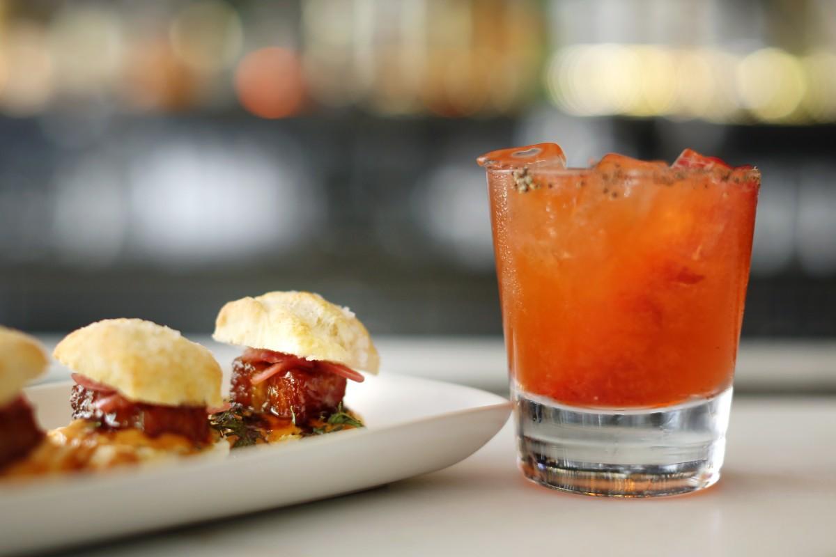 The 18 Best Happy Hours in Sonoma County - Sonoma Magazine