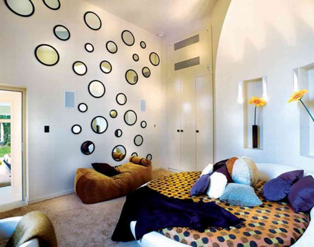 7 ways mirrors can make any room look bigger for Espejos para dormitorios juveniles