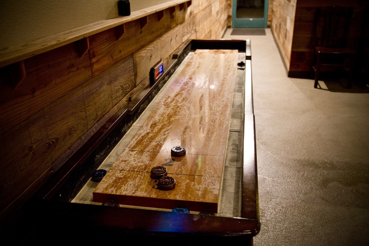 Shuffleboard at Local Barrel in Santa Rosa. (Photo by Estefany Gonzalez)