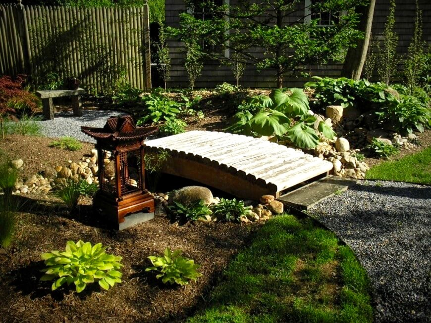 Bamboo Fences Can Be Used To Separate The Zen Garden From Rest Of Yard Creating A More Private E For Meditation Image Via Zillow