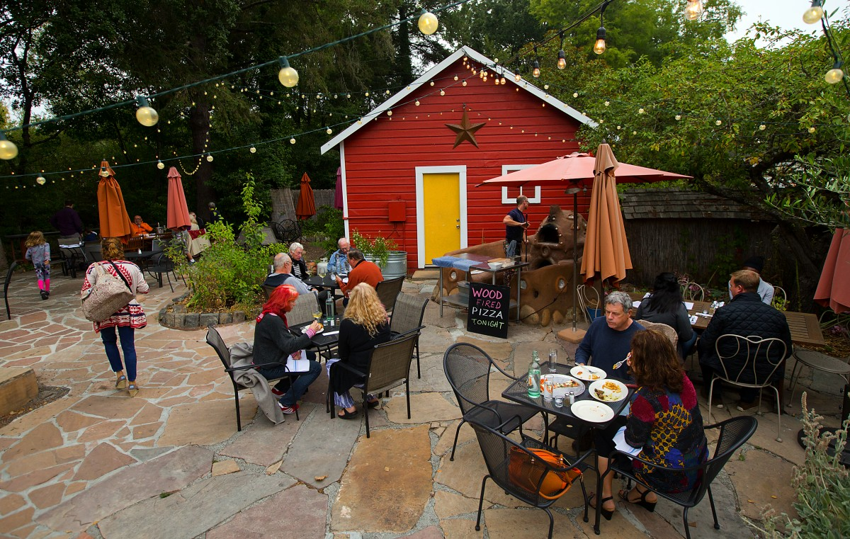 Patio dining at the Fork Roadhouse on Bodega Ave. east of Sebastopol. (JOHN BURGESS/The Press Democrat) Fork Roadhouse John Burgess