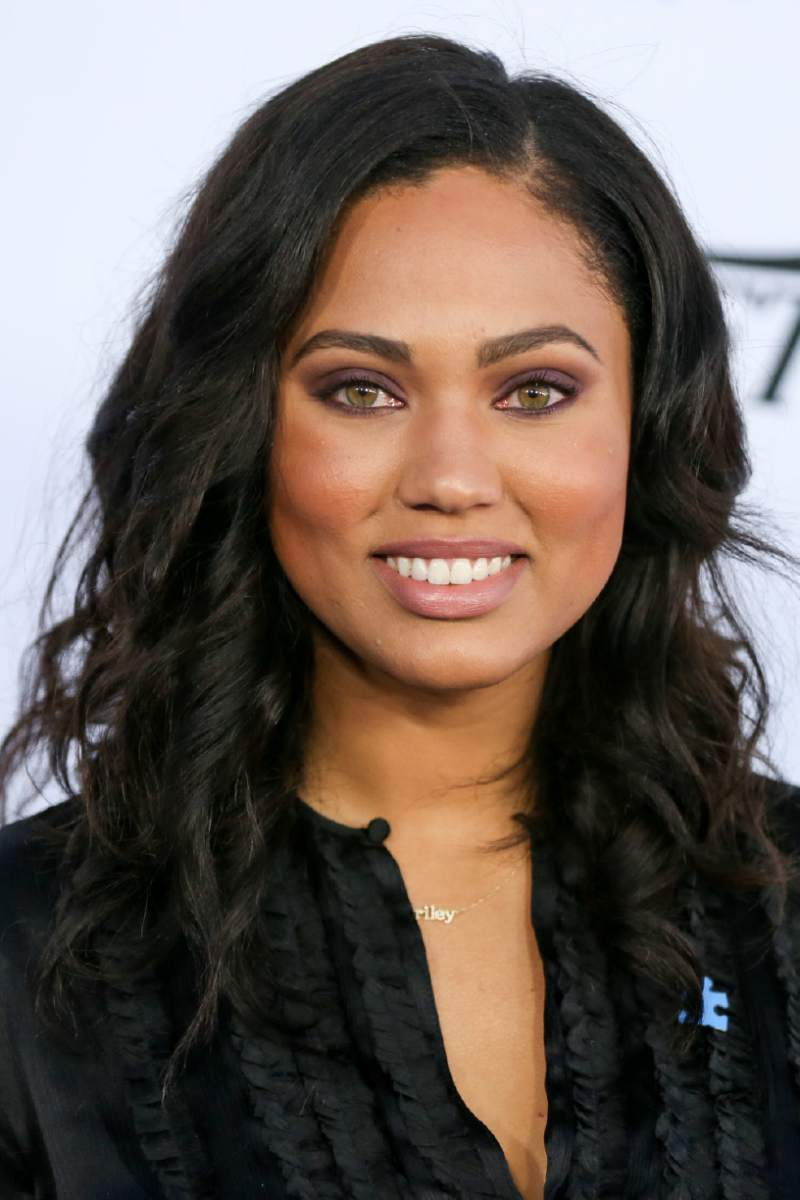 Ayesha Curry arrives at the Autism Speaks to LA Celebrity Chef Gala at Barker Hangar on Thursday, Oct. 8, 2015, in Santa Monica, Calif. (Photo by Rich Fury/Invision/AP)