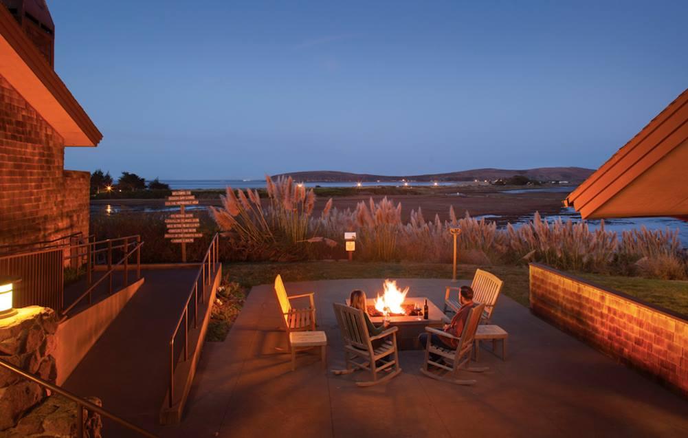 Drake's Fireside Lounge