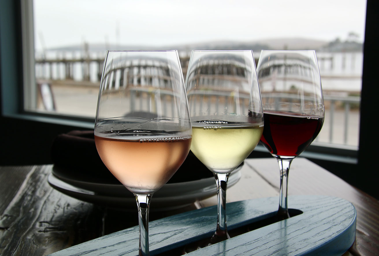 Wine Surfing at Gourmet Au Bay in Bodega Bay. Heather Irwin/PD