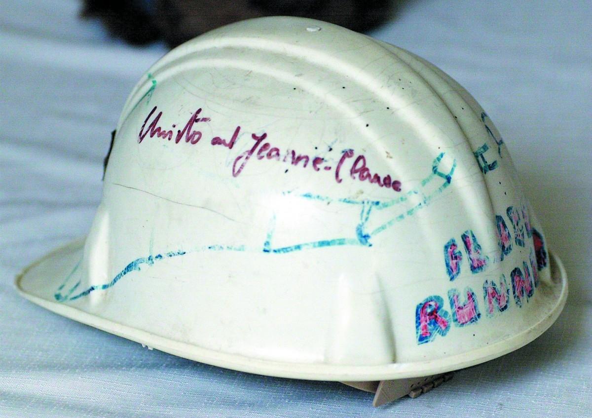 jl0623_Fence_Helmet