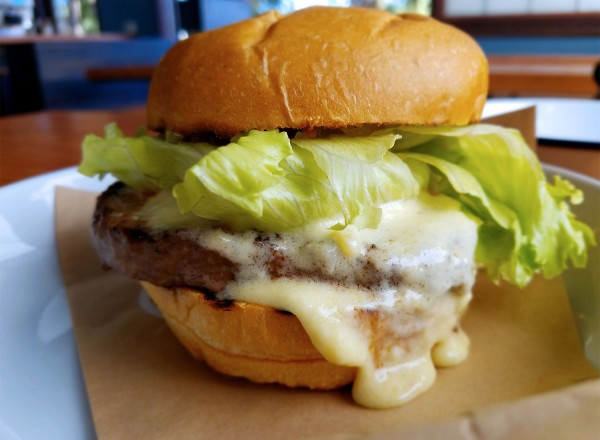 Handline's amazing burger is just one of the reasons we love it. Heather Irwin/PD