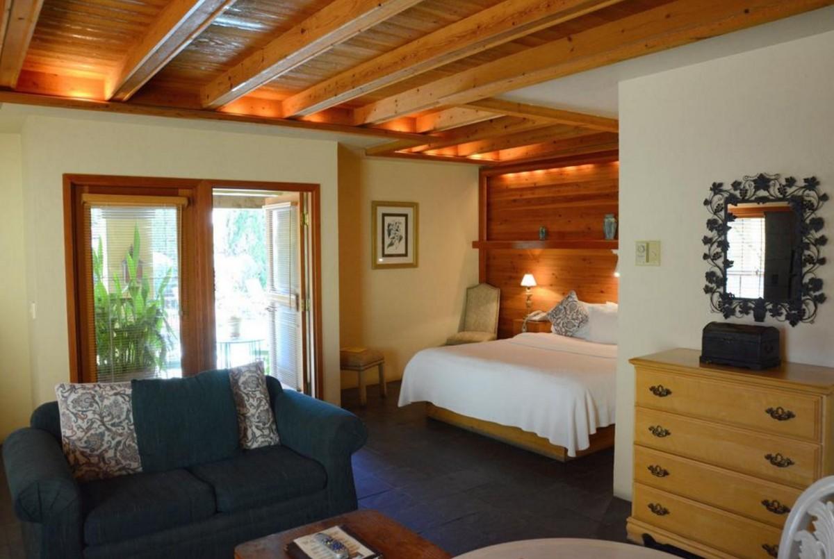 Sonoma Coast Villa & Spa.