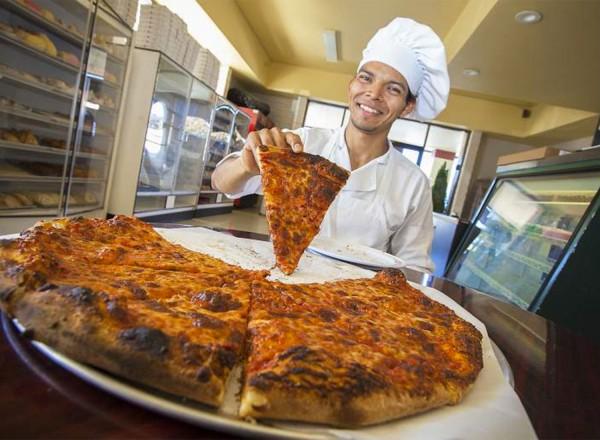 New Haven Apizza in Sonoma. Robbi Pengelly, Sonoma Index-Tribune