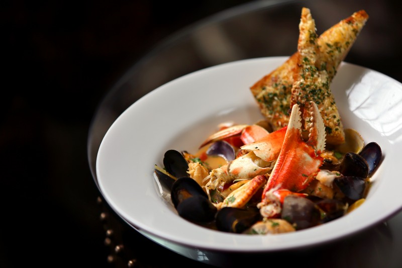 Chef Jeffrey Reillychef's crab cioppino