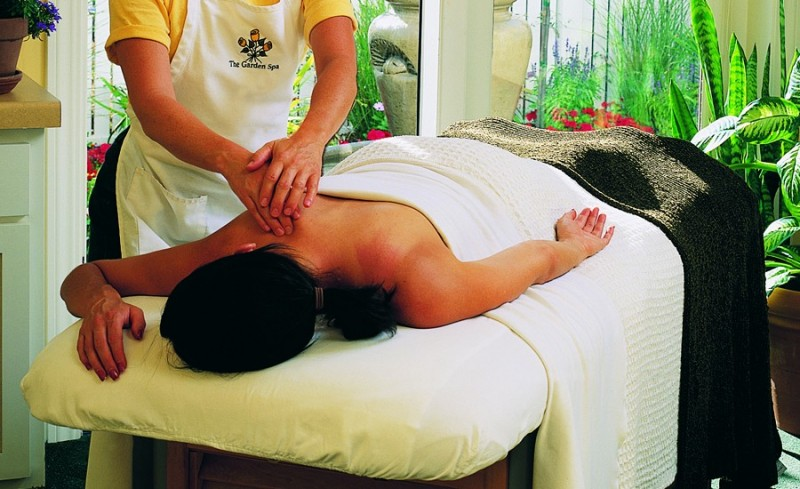 Aromatherapy Massage. (Photo courtesy of macarthurplace.com)
