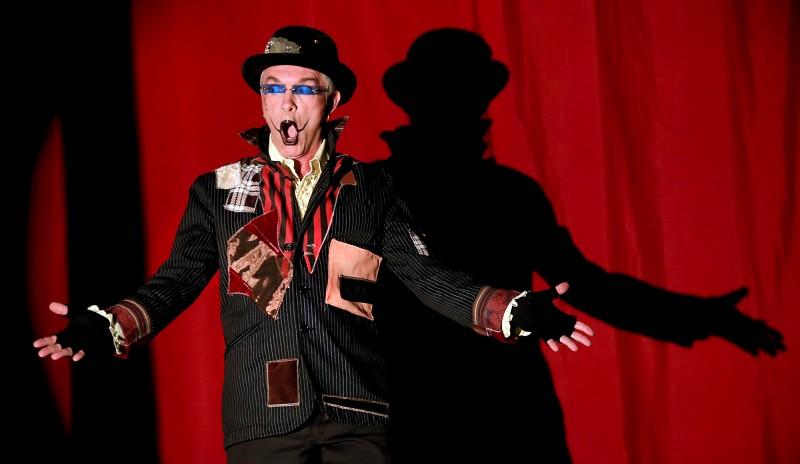 Le Cirque de Bohme MC Michel Michelis entertains a crowd under the big top at Cornerstone Gardens in Sonoma, Saturday Dec. 26, 2015. (Kent Porter