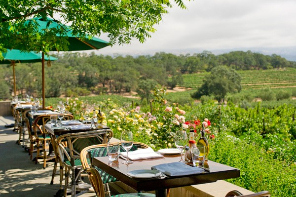 Rustic takes full advantage of its scenic Sonoma County setting — the outdoor terrace overlooks the picturesque Alexander Valley. (winefoodexplorer.com)