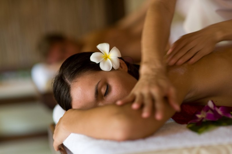 Couples massage at the Courtyard Spa. (Photo Courtesy of Sonoma Coast Villa)
