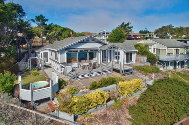 Captain's Lookout. Exterior of home. (Photo courtesy of Bodega Bay and Beyond)