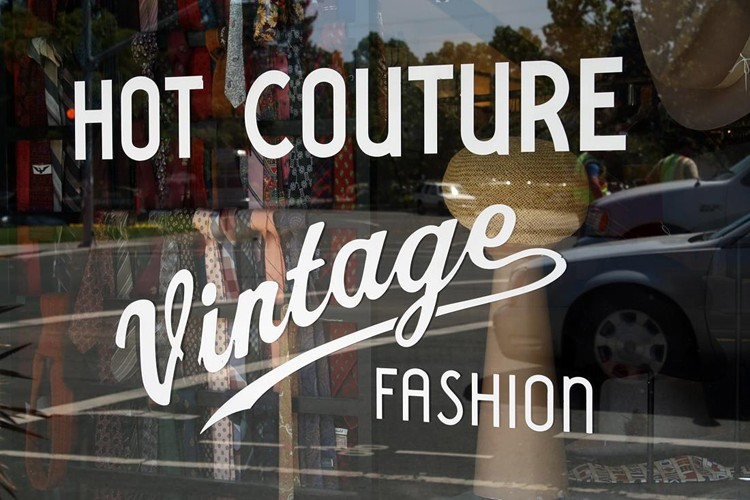 Hot Couture Vintage Fashion in Santa Rosa is
