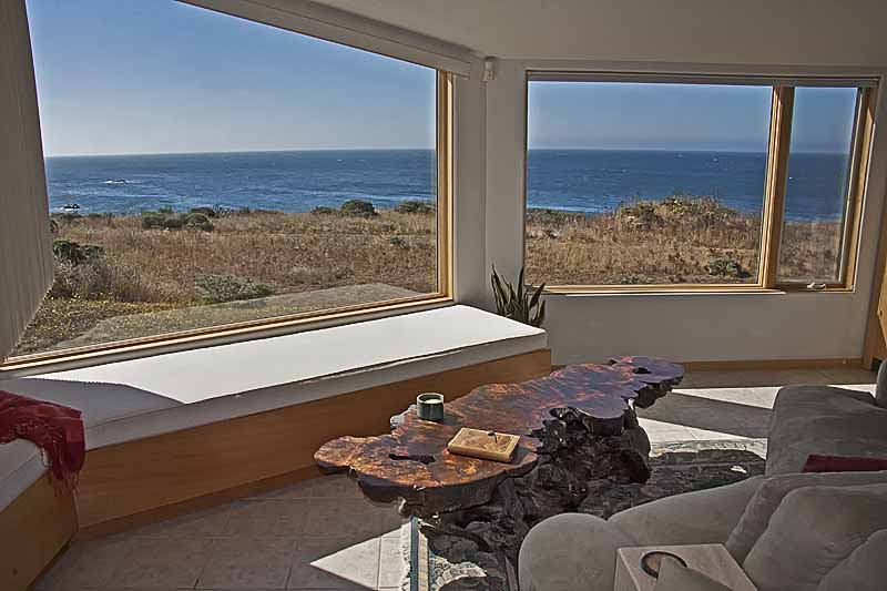 Living room with a view. (Photo courtesy of The Sea Ranch Escape)