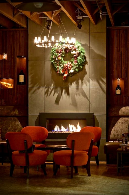 A wreath hangs above the fireplace at 1313 Main Restaurant in Napa. (Photo courtesy of 1313 Main Restaurant)