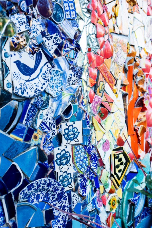 A close-up of Watanabe's colorful tile work that encircles the guesthouse.