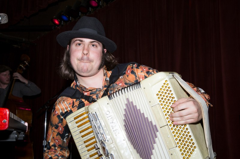 Jesse Lemme Adams of Royal Jelly Jive perform at HopMonk Tavern in Sebastopol. (Estefany Gonzalez)
