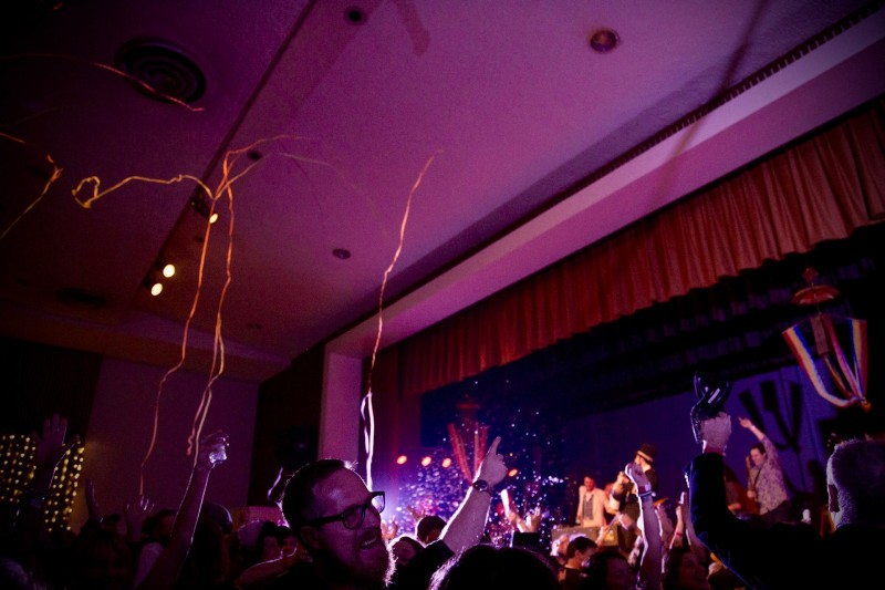 The crowd celebrates the countdown at the inaugural Rivertown Ball, December 31. (Estefany Gonzalez)